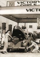 Victory Girls Gas Station (1 card/1 envelope) Avanti America Collection Thank You Card