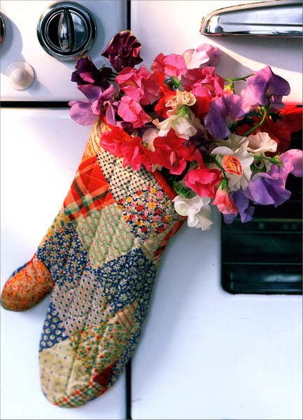 Flowers in Oven Mitt (1 card/1 envelope) Mother's Day Card - FRONT: No Text  INSIDE: Everything's better when you've had a hand in it!  Happy Mother's Day