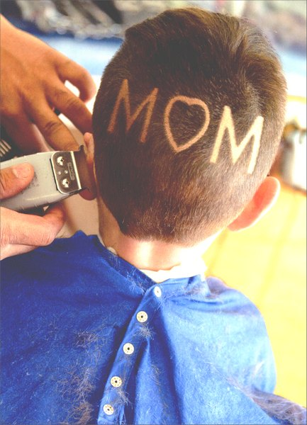 Mom Shaved Head (1 card/1 envelope) Mother's Day Card - FRONT: Mom  INSIDE: ..and when I stand on my head, it says WOW!  Happy Mother's Day