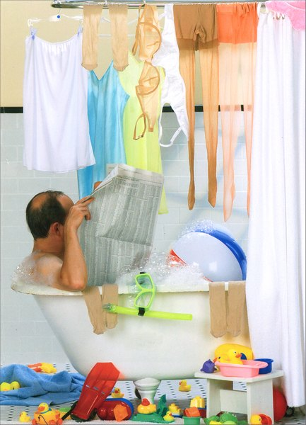 Dad in Tub (1 card/1 envelope) Funny Father's Day Card - FRONT: No Text  INSIDE: Happy Father's Day to the King of the castle!