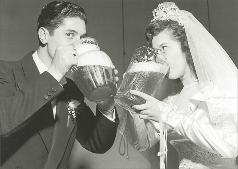 Bride and Groom Drinking Beer (1 card/1 envelope) Graphique de France Funny Wedding Card - FRONT: No Text  INSIDE: Eat, drink and be married!  Best wished to the bride and groom!