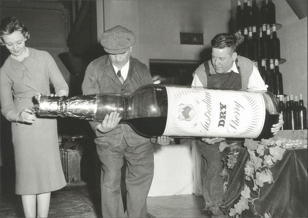 People Pouring from Oversized Wine Bottle (1 card/1 envelope) - Blank Card - FRONT: Australian Dry Sherry  INSIDE: Blank Inside