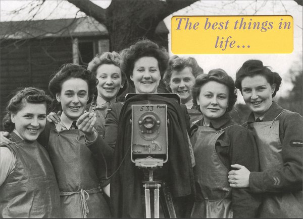 Women Around A Camera (1 card/1 envelope) - Friendship Card - FRONT: The best things in life..  INSIDE: ..are friends.